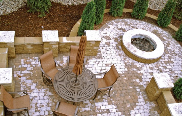 Brittany Beige Patio