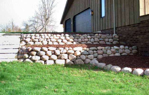 Fieldstone Walls with Steps